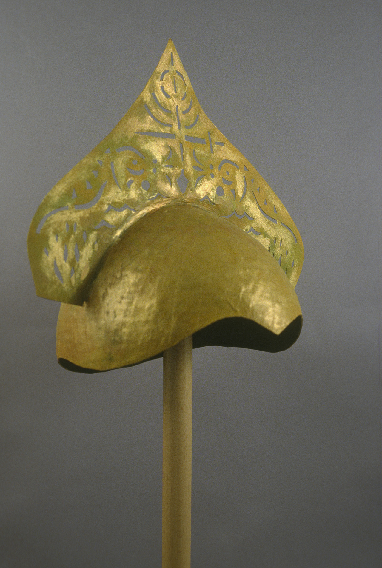 46. Royal Helmet 1999 alt. view M. Stein